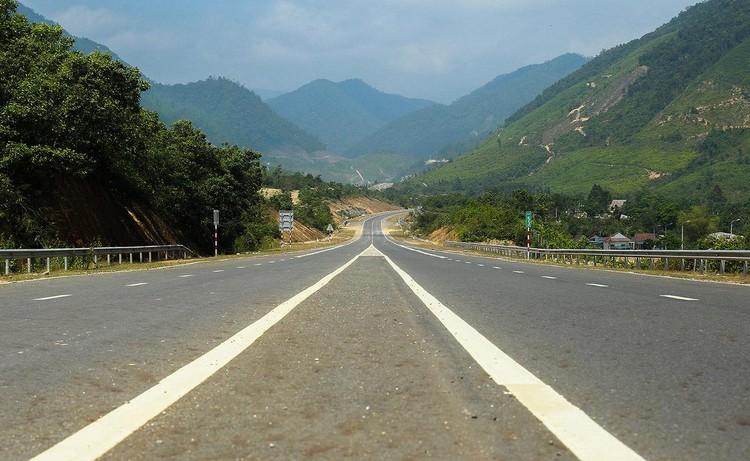 Cao tốc nối Đà Nẵng với Thừa Thiên Huế sắp về đích ảnh 1