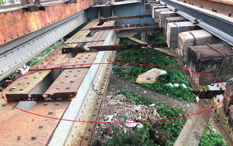 Hệ thống đường sắt quốc gia đi qua Hà Nội xuống cấp thê thảm ảnh 10