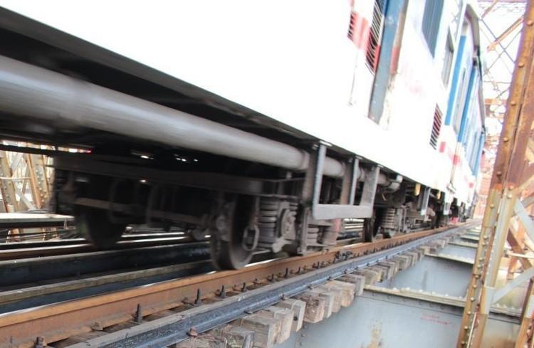 Hệ thống đường sắt quốc gia đi qua Hà Nội xuống cấp thê thảm ảnh 11