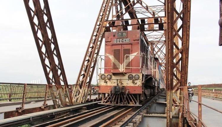 Hệ thống đường sắt quốc gia đi qua Hà Nội xuống cấp thê thảm ảnh 12