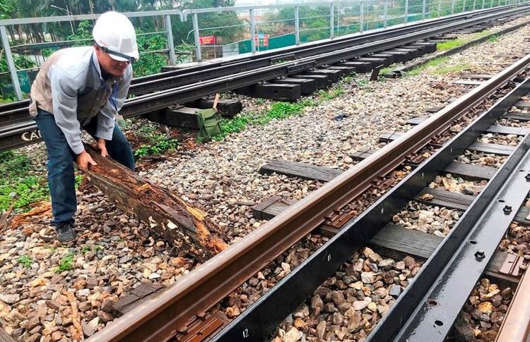 Hệ thống đường sắt quốc gia đi qua Hà Nội xuống cấp thê thảm ảnh 4