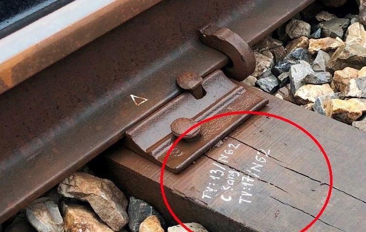 Hệ thống đường sắt quốc gia đi qua Hà Nội xuống cấp thê thảm ảnh 6
