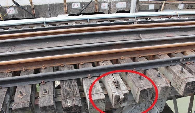 Hệ thống đường sắt quốc gia đi qua Hà Nội xuống cấp thê thảm ảnh 7