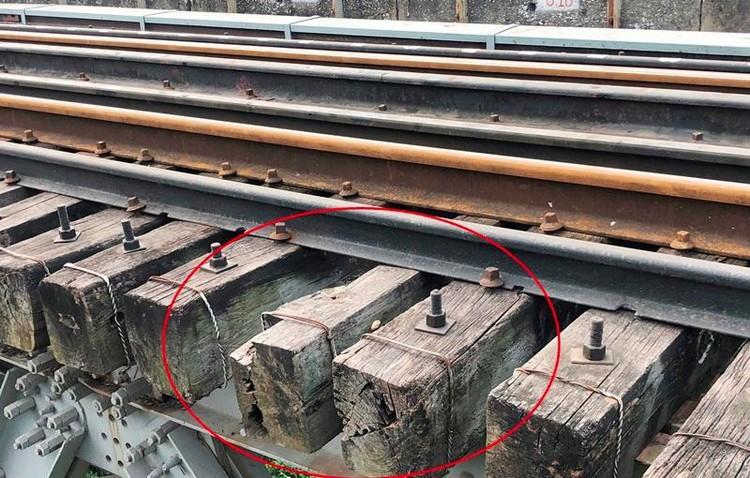 Hệ thống đường sắt quốc gia đi qua Hà Nội xuống cấp thê thảm ảnh 8