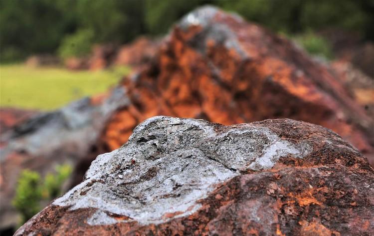 Mỏ sắt lớn nhất Đông Nam Á bất động gần 10 năm ảnh 11