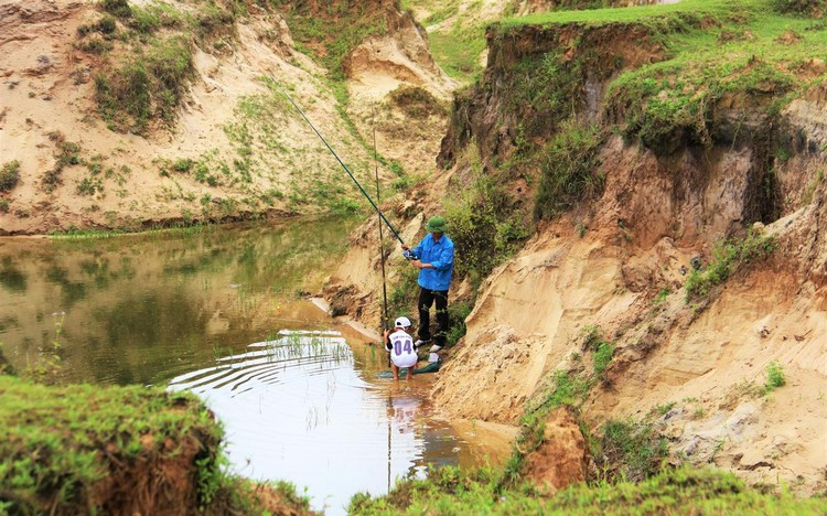 Mỏ sắt lớn nhất Đông Nam Á bất động gần 10 năm ảnh 14