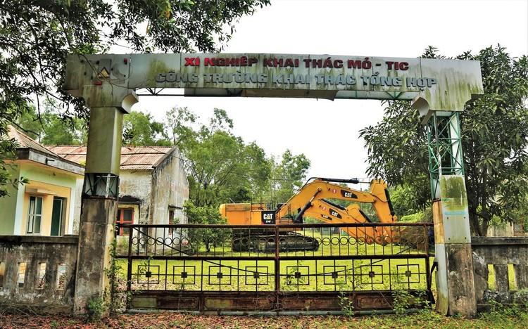 Mỏ sắt lớn nhất Đông Nam Á bất động gần 10 năm ảnh 3