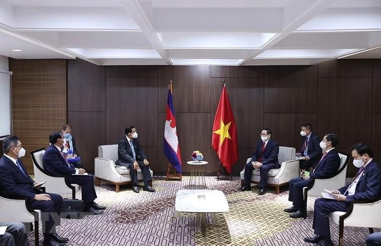 Thủ tướng Chính phủ Phạm Minh Chính gặp gỡ song phương Thủ tướng Campuchia, Singapore, Malaysia ảnh 1
