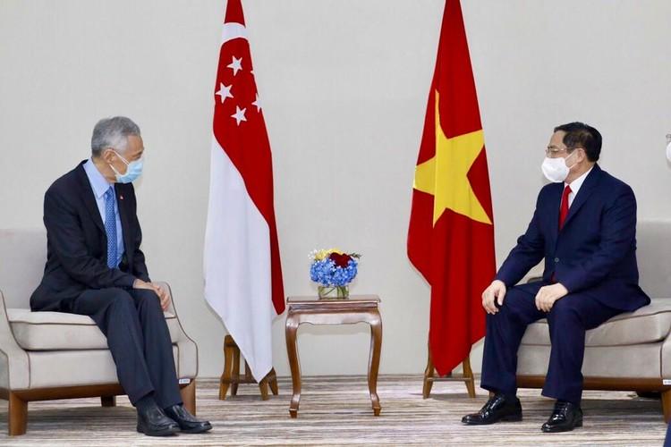 Thủ tướng Chính phủ Phạm Minh Chính gặp gỡ song phương Thủ tướng Campuchia, Singapore, Malaysia ảnh 2