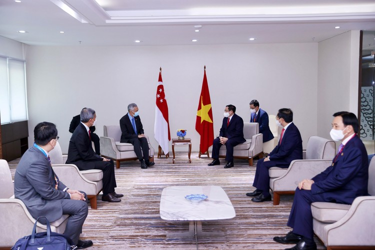 Thủ tướng Chính phủ Phạm Minh Chính gặp gỡ song phương Thủ tướng Campuchia, Singapore, Malaysia ảnh 3