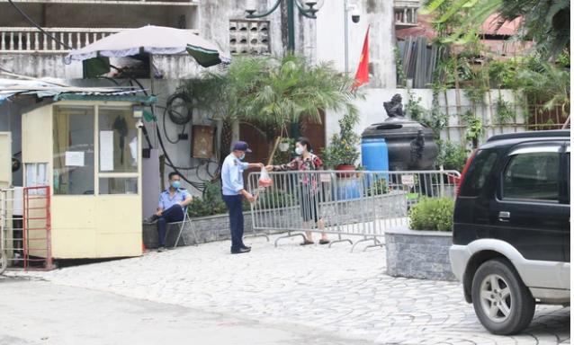 Hà Nội: Nữ nhân viên quán bar mắc COVID-19 đã tiếp xúc với những ai? ảnh 2