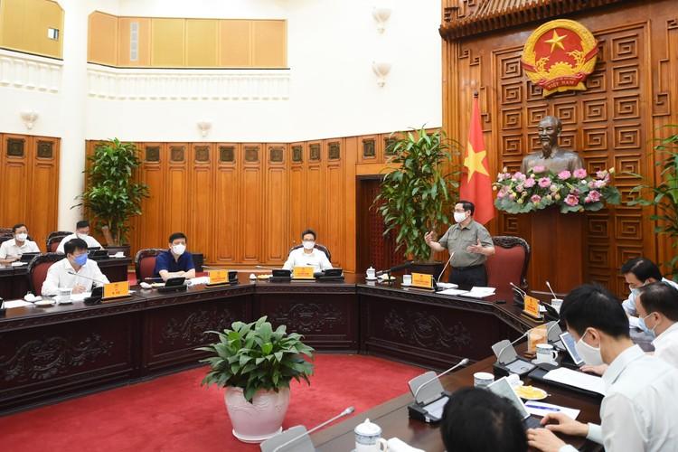 Thủ tướng Phạm Minh Chính nhắc nhở, chấn chỉnh nghiêm khắc các địa phương chưa làm tốt phòng chống dịch ảnh 1