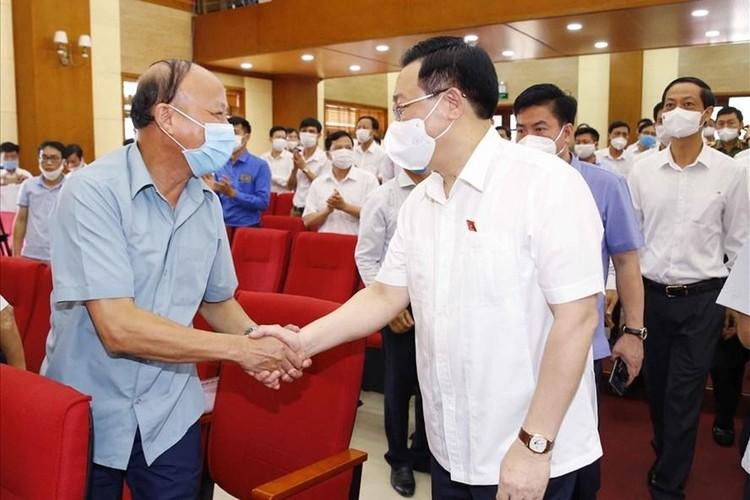 Chủ tịch Quốc hội Vương Đình Huệ tiếp xúc cử tri tại Hải Phòng ảnh 1