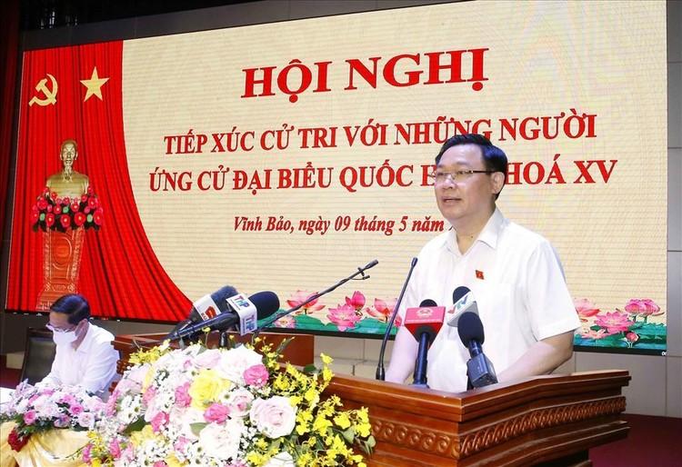 Chủ tịch Quốc hội Vương Đình Huệ tiếp xúc cử tri tại Hải Phòng ảnh 2