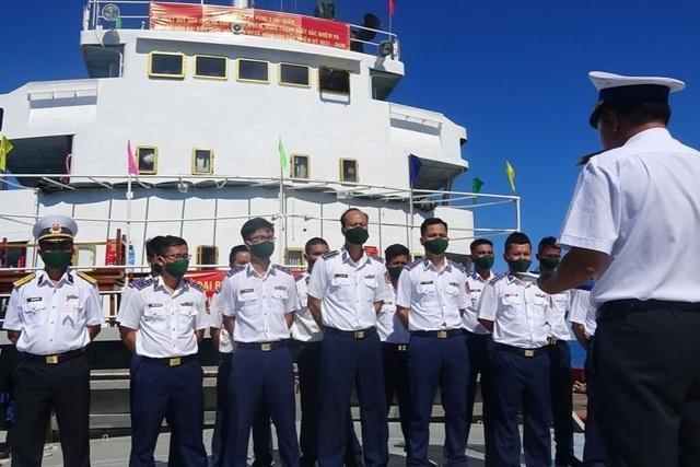 Kiên Giang: Tàu Cảnh sát biển 9003 bầu cử sớm giữa biển ảnh 1