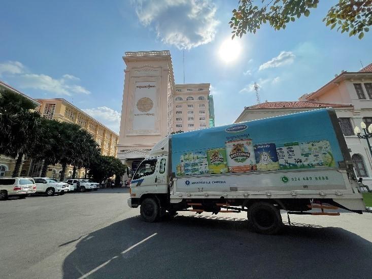 """Angkormilk trao tặng 48.000 sản phẩm sữa hỗ trợ người dân và trẻ em """"vùng đỏ"""" trong dịch Covid -19 ảnh 3"""