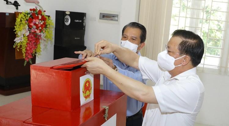 Thủ tướng yêu cầu tập trung cao độ, bảo đảm thành công cuộc bầu cử ảnh 1