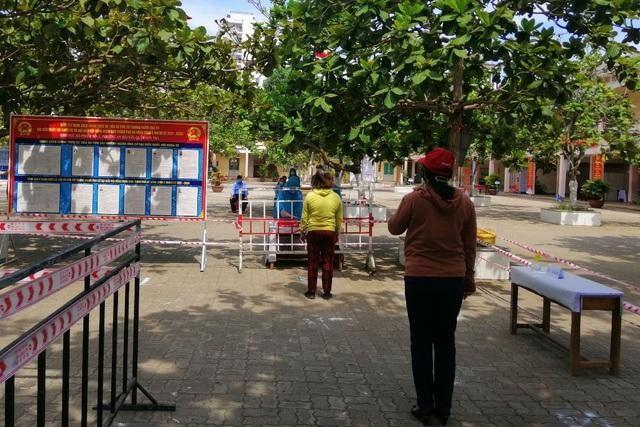 Những điểm bầu cử đặc biệt ở Đà Nẵng giữa mùa dịch Covid-19 ảnh 2