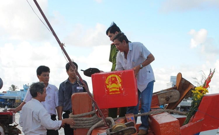 Cà Mau: Bầu cử sớm trên đảo Hòn Khoai, Hòn Chuối ảnh 1