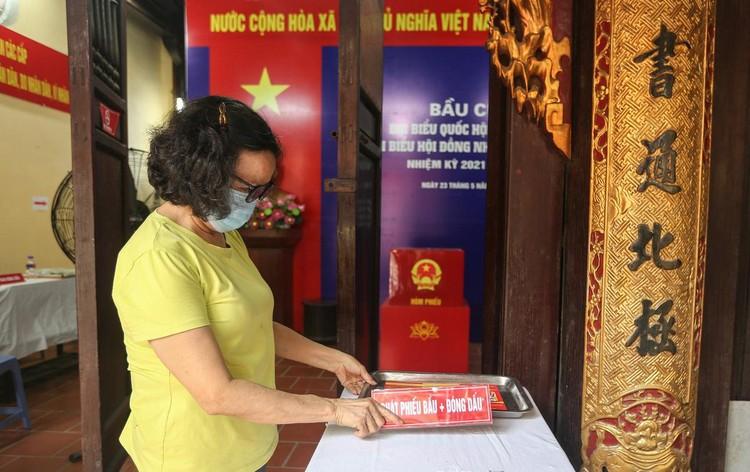 Hà Nội rực rỡ trước ngày bầu cử ảnh 6