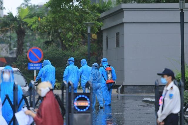 5 chung cư ở Hà Nội bị phong tỏa trong một ngày ảnh 1