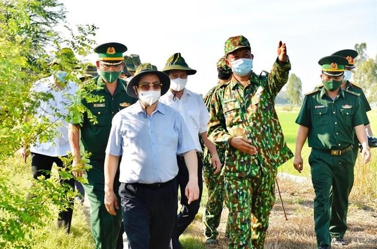 Thủ tướng chỉ đạo một loạt biện pháp mạnh để chống dịch hiệu quả hơn ảnh 1