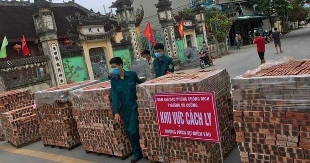 Thành phố Bắc Ninh xếp gạch, bê tông, dàn hàng ô tô chốt cứng mọi ngả đường ảnh 1