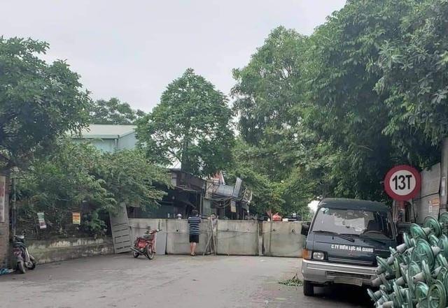 Thành phố Bắc Ninh xếp gạch, bê tông, dàn hàng ô tô chốt cứng mọi ngả đường ảnh 5