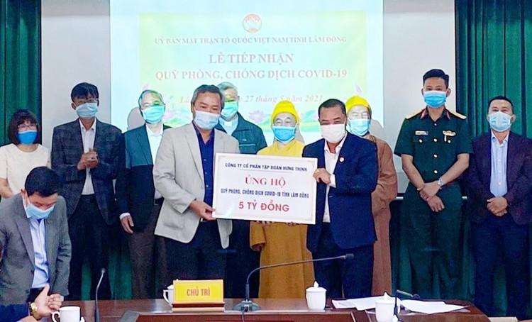 Tập đoàn Hưng Thịnh trao tặng 50.000 liều vắc-xin phòng, chống Covid-19 cho tỉnh Bình Định ảnh 2