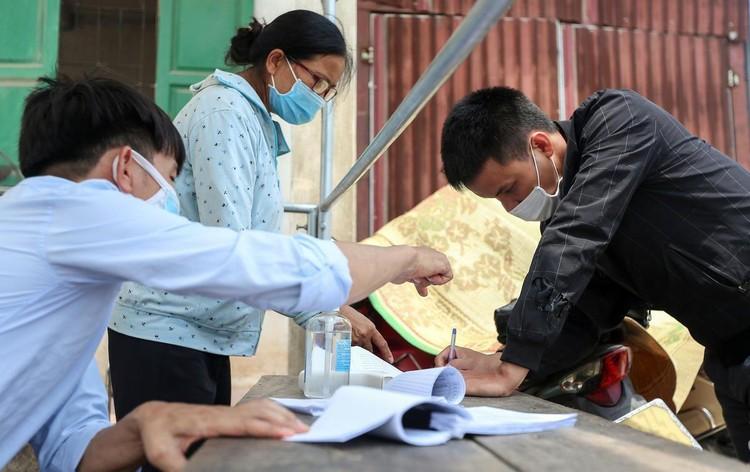 Hàng loạt chốt chặn phòng dịch ở ngoại thành Hà Nội ảnh 1