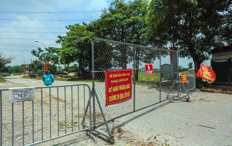Hàng loạt chốt chặn phòng dịch ở ngoại thành Hà Nội ảnh 2
