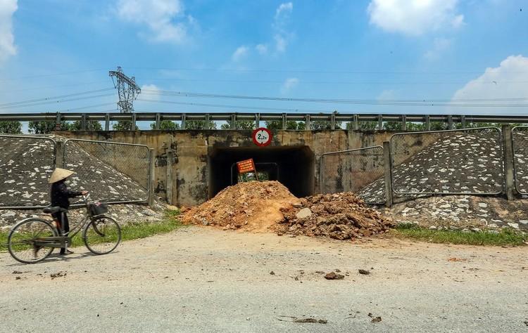 Hàng loạt chốt chặn phòng dịch ở ngoại thành Hà Nội ảnh 5