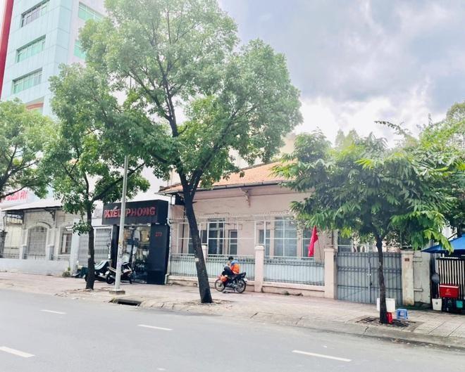Rao bán biệt thự, khách sạn giá trăm tỷ đồng ở TPHCM ảnh 1