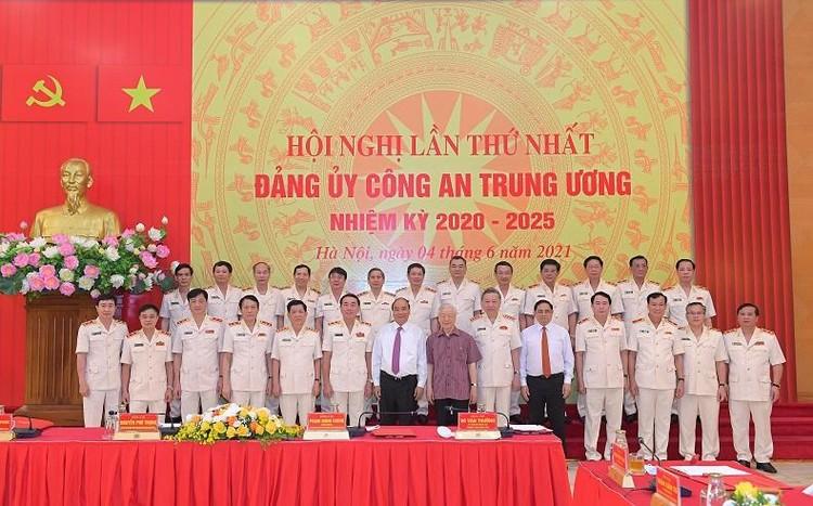 Tổng Bí thư, Chủ tịch nước và Thủ tướng tham gia Đảng ủy Công an Trung ương ảnh 4
