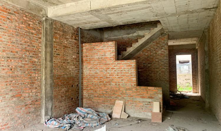 Mục sở thị hàng trăm căn biệt thự bỏ hoang, rêu mốc ở một huyện tại Hà Nội ảnh 11