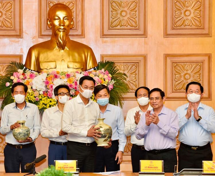 Báo chí có vai trò rất quan trọng trong việc kết nối giữa Chính phủ và nhân dân ảnh 1