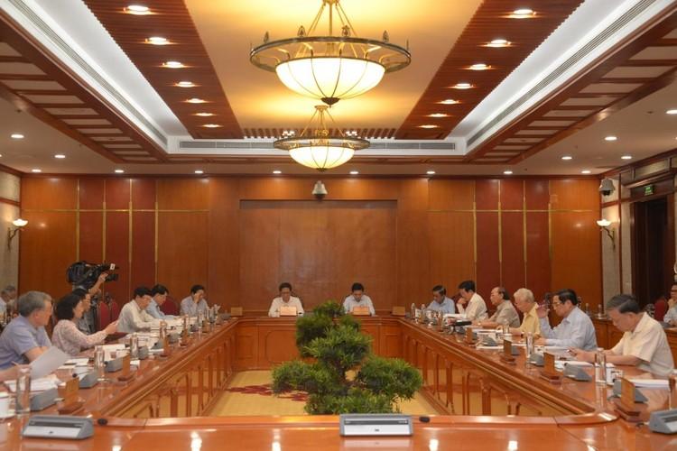 Bộ Chính trị đồng ý chủ trương hỗ trợ người lao động và người sử dụng lao động ảnh 2