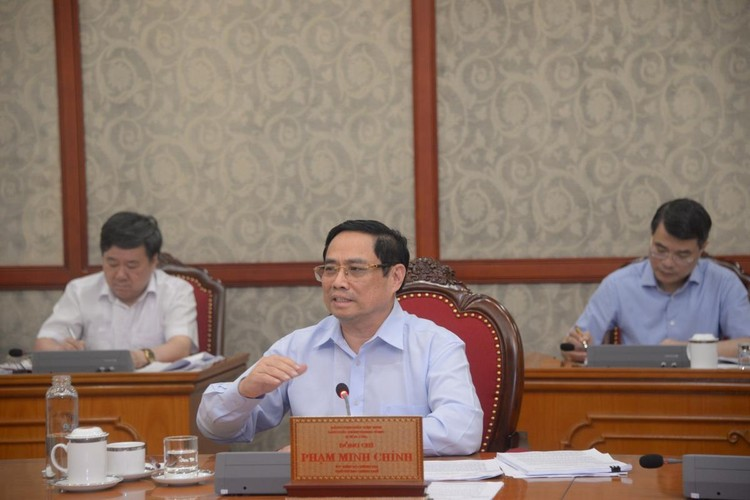 Bộ Chính trị đồng ý chủ trương hỗ trợ người lao động và người sử dụng lao động ảnh 1