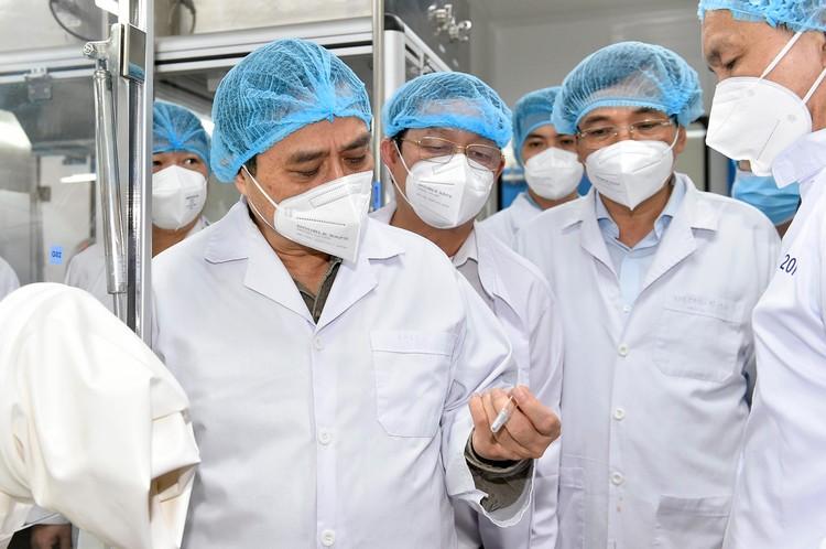 Thủ tướng Phạm Minh Chính: Lập tổ hành động để sản xuất bằng được vaccine phòng COVID-19 nhanh nhất ảnh 2
