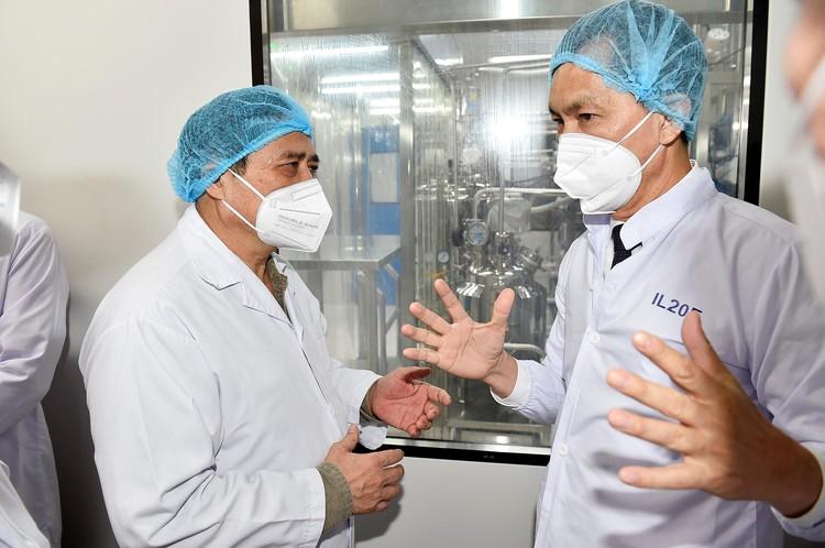 Thủ tướng Phạm Minh Chính: Lập tổ hành động để sản xuất bằng được vaccine phòng COVID-19 nhanh nhất ảnh 3