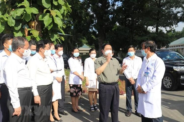 Thủ tướng kiểm tra công tác phòng, chống dịch COVID-19 tại Bình Dương ảnh 1