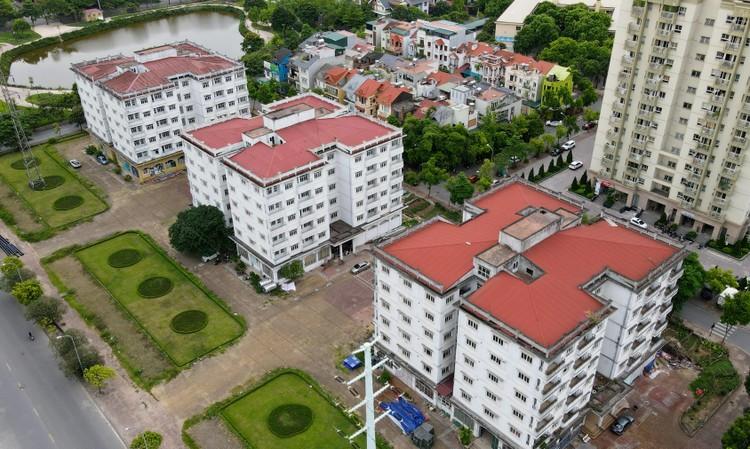 """Những tòa chung cư xây xong rồi bị bỏ hoang ngay trên """"đất vàng"""" thủ đô ảnh 11"""