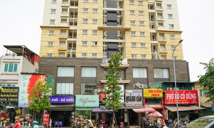"""Những tòa chung cư xây xong rồi bị bỏ hoang ngay trên """"đất vàng"""" thủ đô ảnh 4"""