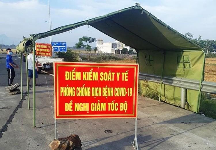 """22 chốt ở cửa ngõ Hà Nội để kiểm soát dịch bệnh, không """"ngăn sông cấm chợ"""" ảnh 1"""