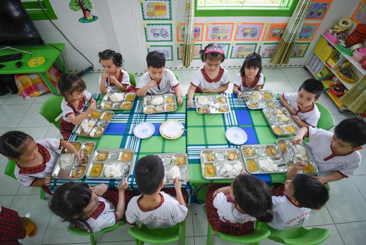 Chăm chút cho dinh dưỡng học đường để thay đổi tầm vóc học sinh Việt Nam ảnh 1