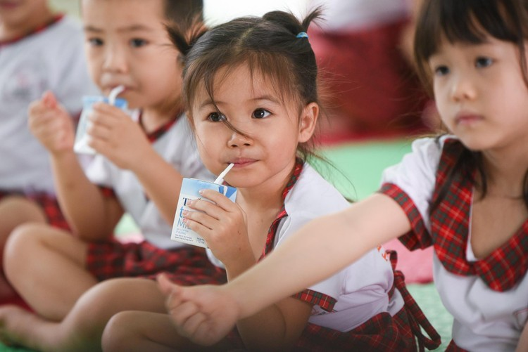 Chăm chút cho dinh dưỡng học đường để thay đổi tầm vóc học sinh Việt Nam ảnh 2