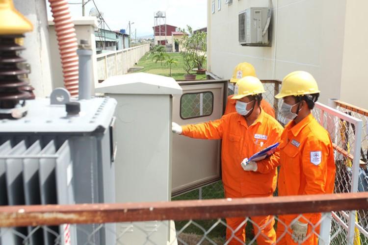 Ngành điện miền Nam nỗ lực đảm bảo cấp điện phòng chống dịch Covid-19 ảnh 2