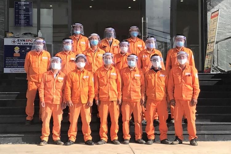 Ngành điện miền Nam nỗ lực đảm bảo cấp điện phòng chống dịch Covid-19 ảnh 4