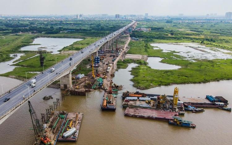 Công trường hơn 2.500 tỷ bắc qua sông Hồng ảnh 5