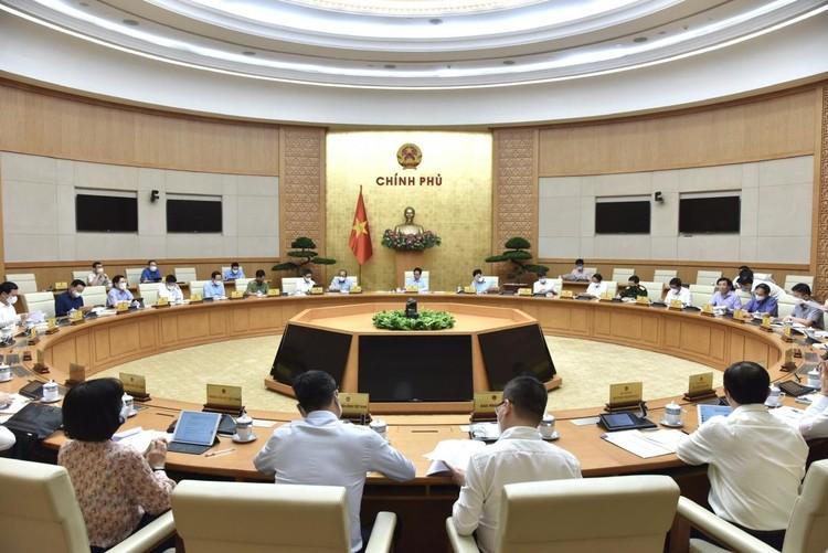 Thủ tướng chủ trì họp khẩn với Ban Chỉ đạo Quốc gia phòng, chống COVID-19 ảnh 2